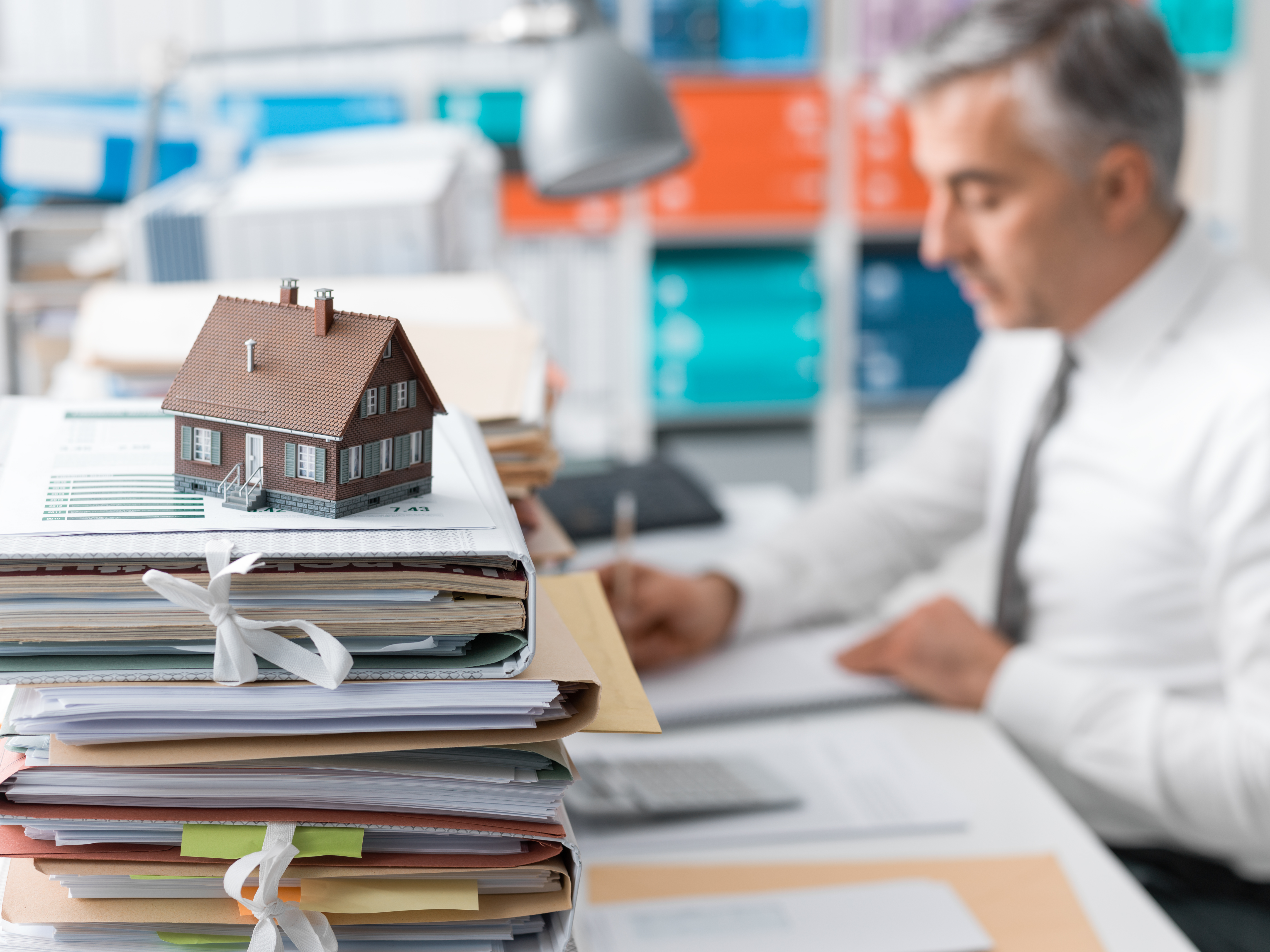 real-estate-mortgage-loans-and-paperwork-PXTTACG